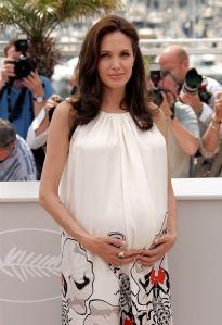 Angela=ina Jolie Pregnant